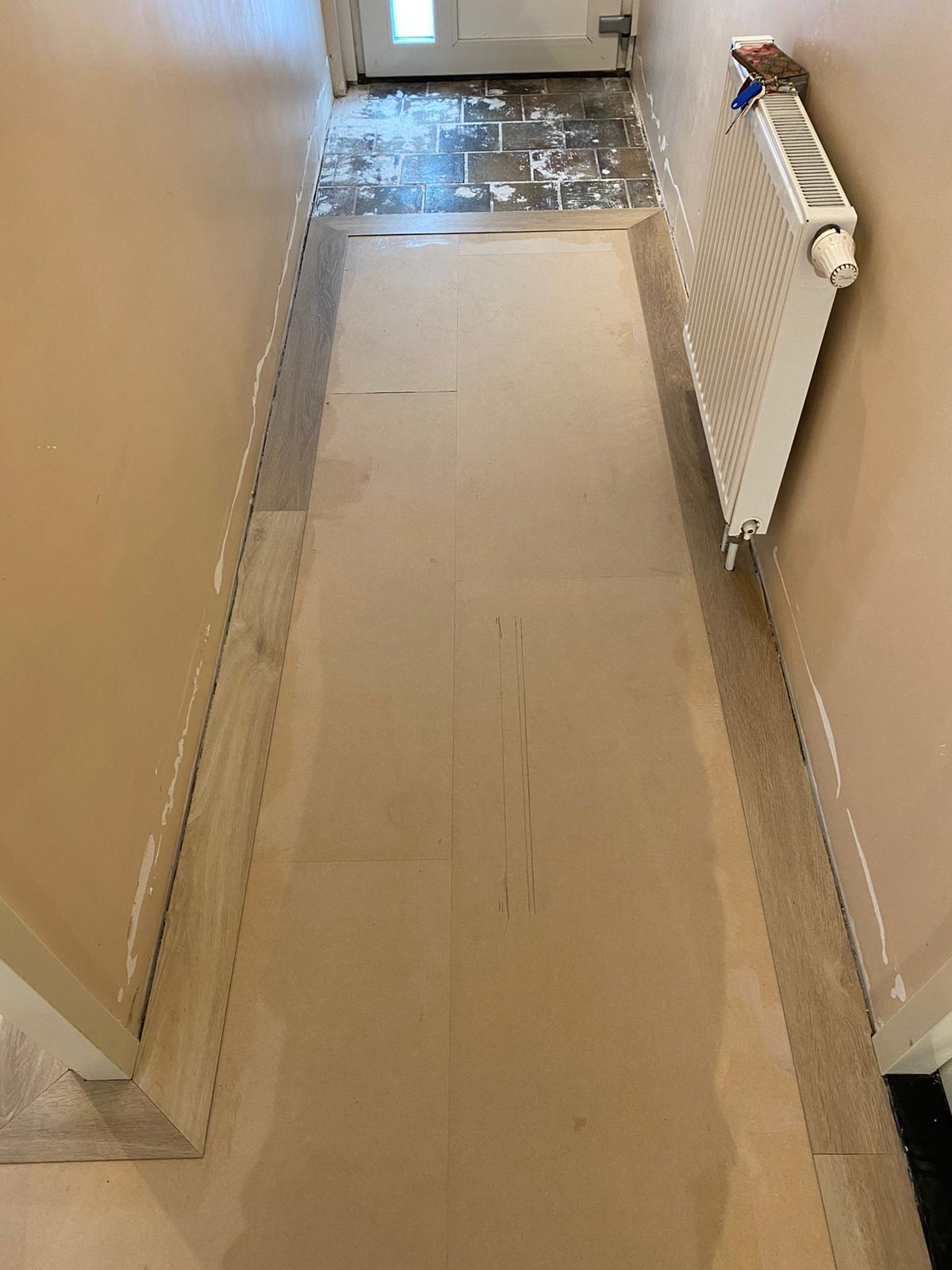 Project visgraat vloer Bacovloeren ondervloer hal