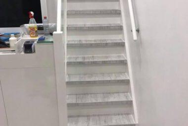 Bacovloeren laminaatvloer met bijpassende traprenovatie