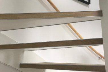 Bacovloeren traprenovatie PVC met alu stootranden 2