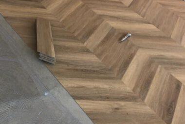 Project visgraat vloer Bacovloeren werk in uitvoering