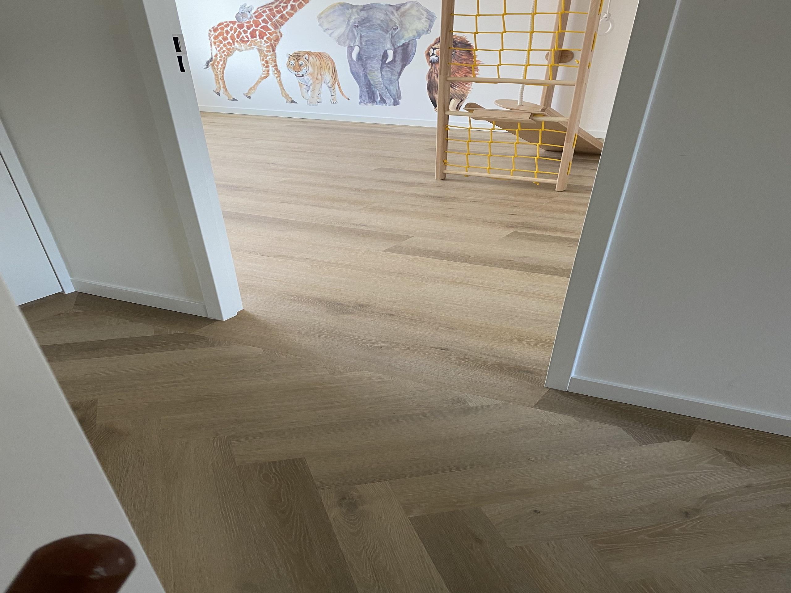 PVC Visgraatvloer gelegd slaapkamer