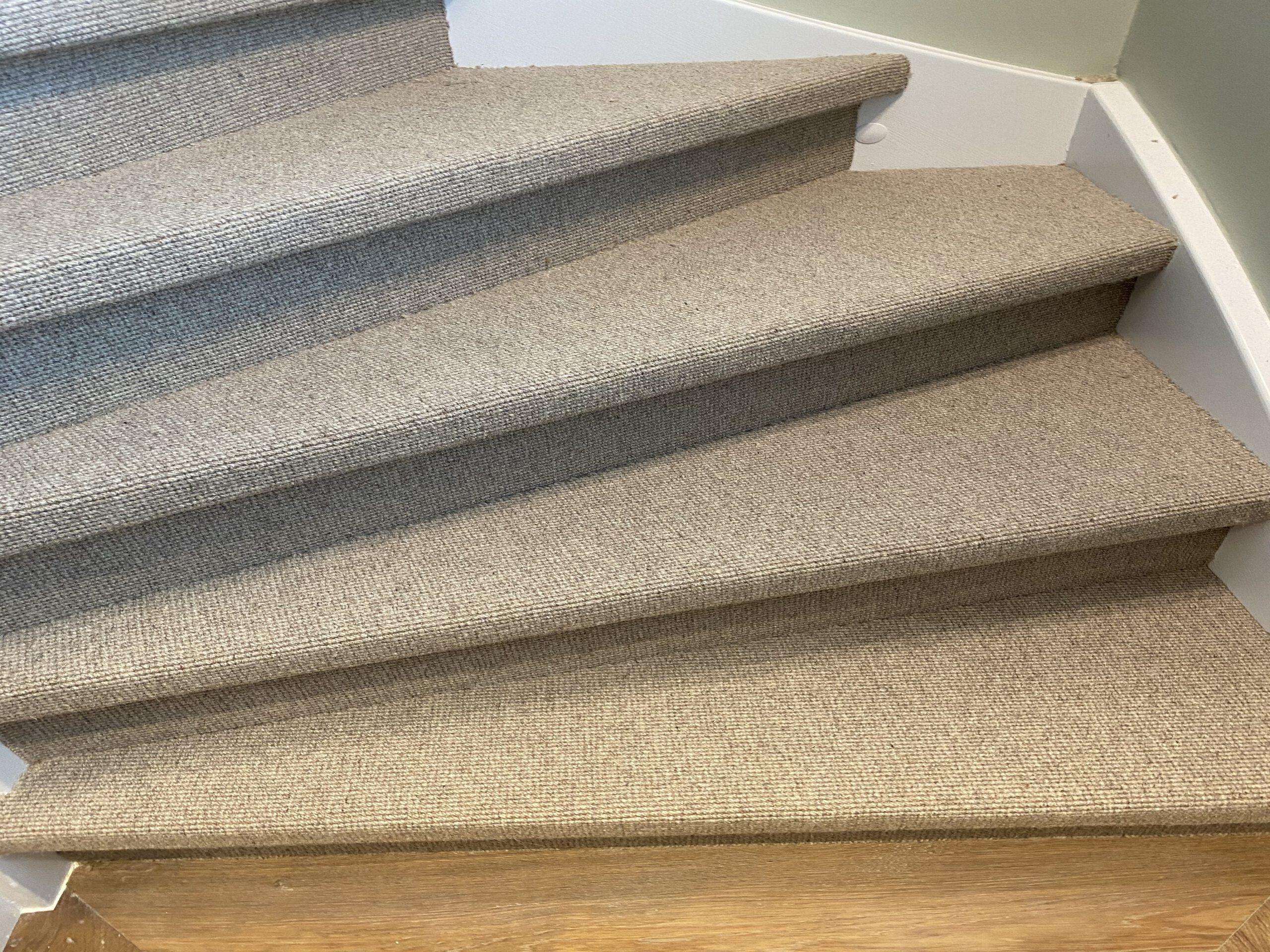 Trap renoveren met sisal tapijt. Verkrijgbaar in verschillende kleuren en structuur. 1
